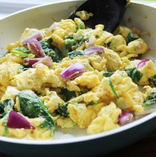 Scrambled Eggs With Spinach And Onions