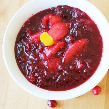 Sweet-&-Tangy-Cranberry-Pear-Sauce