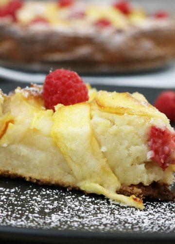 Apple-Raspberry-Cake
