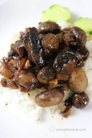 Adobo-Mushroom-over-White-Rice