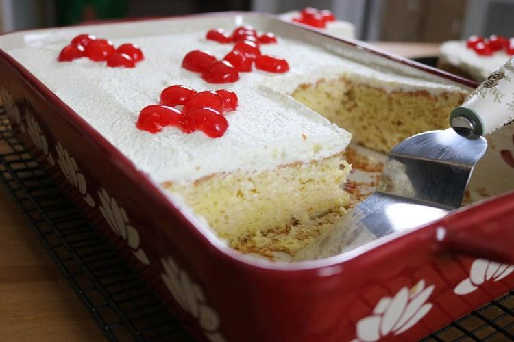 amazingly-delicious-tres-leche-cake