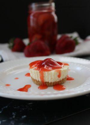 Easy Strawberry Cheesecake Bites