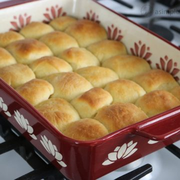 Easy-to-make-Rolls