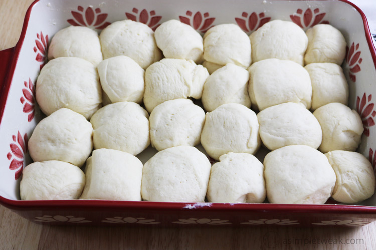 The-Dinner-Rolls-will-puff-then-place-in-the-oven