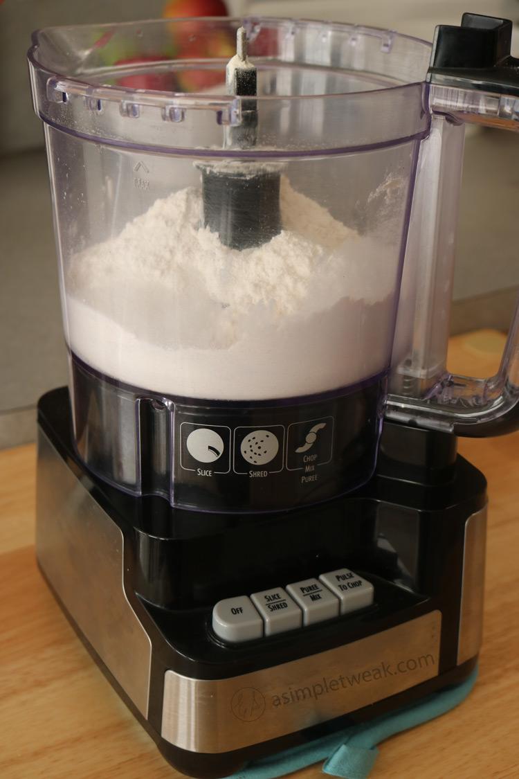 Add-flour-into-a-food-processor