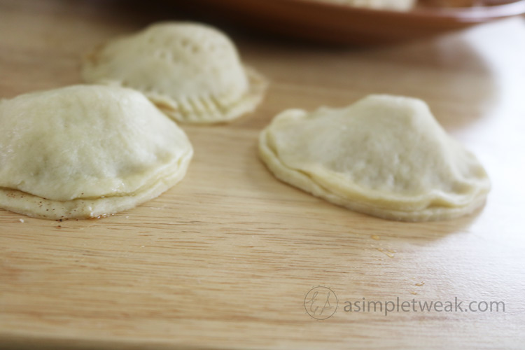 Easy-apple- turnovers