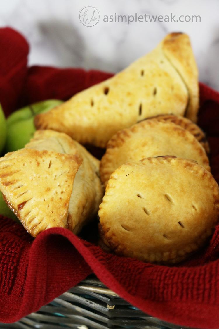 Homemade-Apple-pie-turnovers