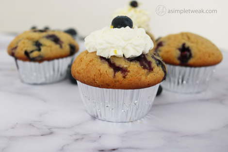 BLUEBERRY-CUPCAKES-WITH-LEMON-FROSTING