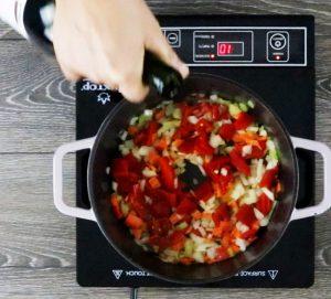 Homemade-Tomato-Sauce-ingredients