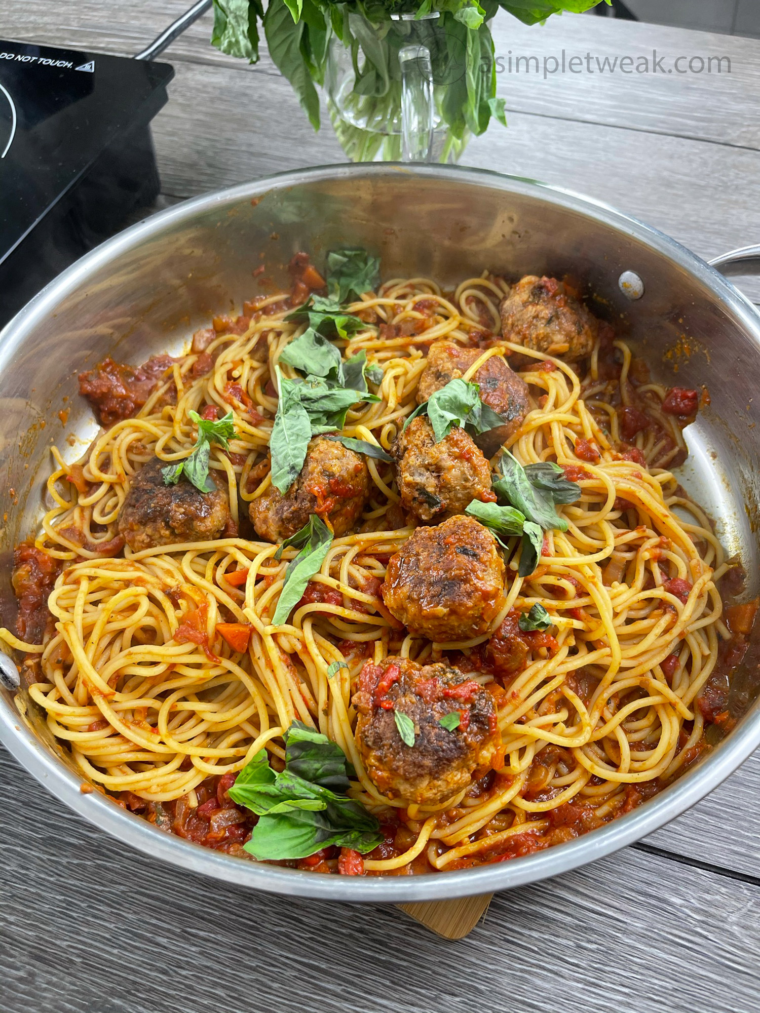 The-Best-and-Most-Tender-Meatballs-In-a-Delicious--Homemade-Tomato-Sauce