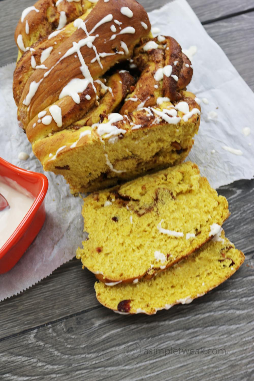 Pumpkin-cinnamon-bread-with-cream-cheese-glaze